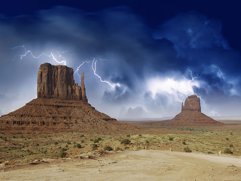 A storm brews over Monument Valley in Arizona. Photo: jovannig